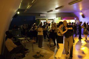 Pratique Tango ouverte à tous - intermèdes dansables (rock, salsa...) @ La Media Luna | Sorgues | Provence-Alpes-Côte d'Azur | France